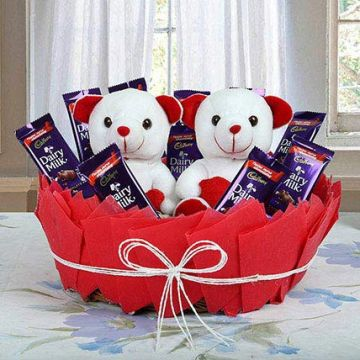 Cute Basket Of Surprise - Holi Gifts to Ludhiana