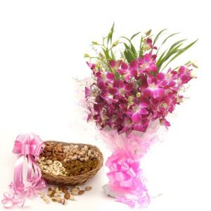 Perfect Elegance - Send Christmas Flowers Online