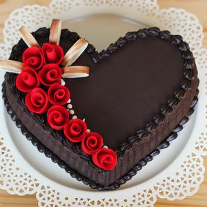 1 kg heartshape chocolate cake - Send Heart Shaped Cakes Online