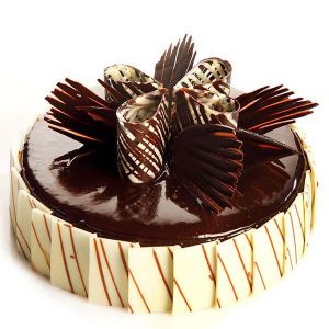 Fantasy Chocolate Cake 1 kg - Gifts Under 2000