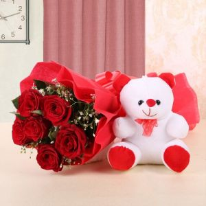 Love Duel - Send Flowers with Teddy Bears Online