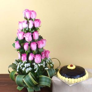 Exotic Pink Roses Arrangement and Chocolate Cake - Chocolate Cakes Online