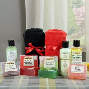 Khadi Ladies Love Spa Hamper - Grooming Kit & Spa Hampers For Women
