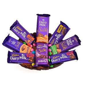DELECTABLE CHOCOLATE HAMPER - Send Gift Hampers Online